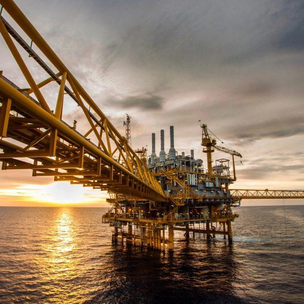 AE photo oil gas platform 002