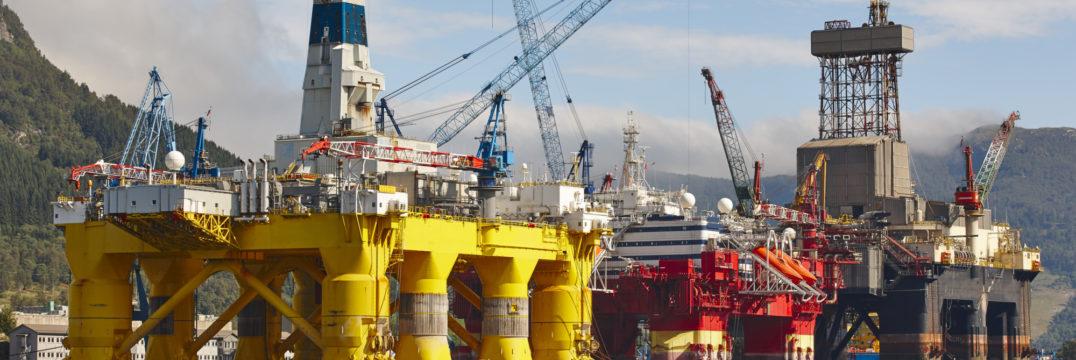Oil and gas platform in norway energy industry pet PUW2 R6 J